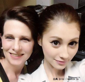 ダレノガレ明美と母親