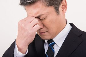 スマホによる眼精疲労は薄毛の原因