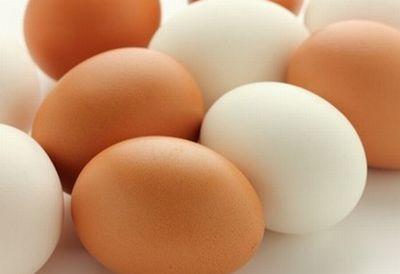 赤い卵と白い卵も髪の毛にいい