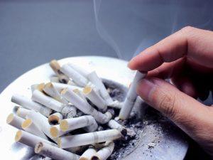 薄毛の原因の一つはタバコ