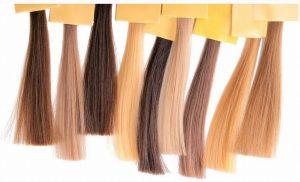 髪の毛の色をカラーリイグで変える