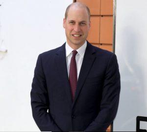 ウイリアム王子は坊主頭が良いか薄毛のままが良いか