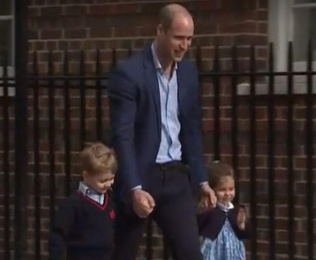薄毛のウイリアム王子は第3子誕生で喜びの顔